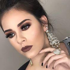 Ainda não superei essa lindeza!!! Prometo que é só mais uma, por hoje rsrsrs . . . #makeup #maquiagem #mua #brazilianmua #maquiadora #motd #instamakeup #makeupartist a#maquiagembrasill #universodamaquiagem_oficial #mundodamaquiagem #makeupartistsworldwide #pausaparafeminices #maquiagemlovers #lehpequenomakeup #vegas_nay #hudabeauty #makelovey #maquiagemx #brian_champagne #makeupmodel #linhabrunatavares #eyeliner #cutcrease #batomnude #nudelips #glitter #batomluisa #glittermakeup #...
