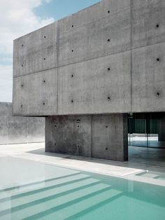 thekhooll:  Concrete Designed by Matteo Casari Architetti was built on a small lot within a an extension of residential area Urgnano.