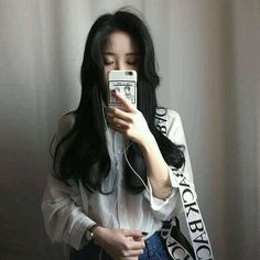 Image shared by - ̗̀aiione ̖́-. Find images and videos about girl, fashion and white on We Heart It - the app to get lost in what you love. Cute Korean, Korean Girl, Asian Girl, Uzzlang Girl, Ulzzang Fashion, Asian Fashion, Korean Beauty, Asian Beauty, Moda Ulzzang