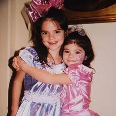 Kendall and Kylie Kylie Jenner Baby, Kendall Y Kylie Jenner, Jenner Kids, Jenner Family, Kardashian Kollection, Kim Kardashian, Kanye West, Coachella, Robin