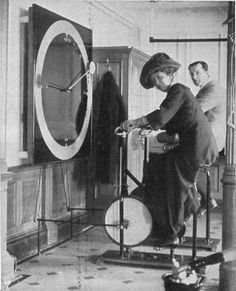 Passenger staying fit in the gym inside Titanic. Passenger staying fit in the gym inside Titanic. Passenger staying fit in the gym inside Titanic. Rms Titanic, Titanic History, Titanic Photos, Titanic Ship, Titanic Sinking, Old Photos, Vintage Photos, Vintage Photographs, Vintage Pins