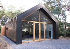 5 Inexpensive Modern Prefab Houses You Can Buy Right Now – My Life Spot Prefab Cabins, Prefab Homes, Modern Architecture House, Architecture Details, Modern Barn House, Long House, Property Design, Shed Homes, Building A House