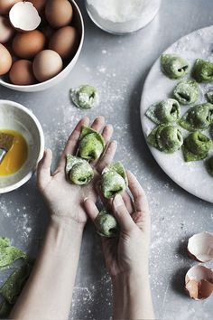 Woman holding uncooked tortellini by Ellie Baygulov - Homemade, Tortellini - Stocksy United Ravioli, Food Photography Styling, Food Styling, Linguine, Tortellini, Best Dumplings, Filled Pasta, Wonton Recipes, Clem
