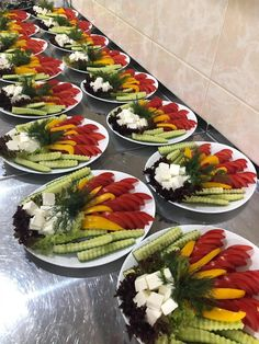 Party Food Platters, Food Trays, Food Dishes, Canapes Recipes, Appetizer Recipes, Clean Eating Recipes, Healthy Eating, Gourmet Recipes, Cooking Recipes