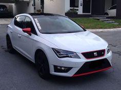 Seat Leon FR Mk3 Blanco con detalles rojos.