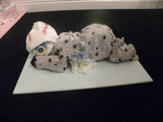 Sleeping Baby Diaper Cake by Rondasbabygifts on Etsy, $26.00