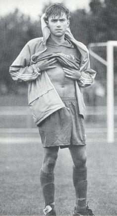 Damon Albarn stomach