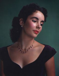 Elizabeth Taylor, 1948. What a beauty!  I adore her in the must-see film, Life with Father, starring William Powell & Irene Dunne, 1947.