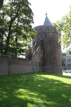 Rattentoren, overblijfsel van de stadsmuren van Roermond.
