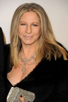 Joel Silver Romances Barbra Streisand Backstage at Barclay's Center Glamour Magazine, Barbra Streisand, Aging Gracefully, Hello Gorgeous, Female Singers, Best Actress, Timeless Beauty, Girl Humor, American Singers