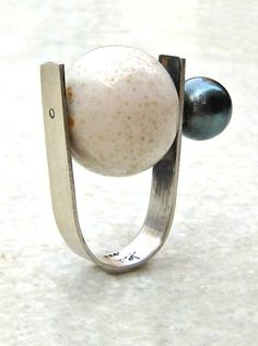 Heidi Abrahamson, Ring (sterling silver, white coral, Tahitian pearl)