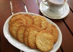 κύρια φωτογραφία συνταγής Τραγανά μπισκότα φουντουκιού Biscuit Cookies, Superfoods, Biscuits, French Toast, Bread, Breakfast, Crack Crackers, Morning Coffee, Cookies