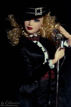 Barbie Friends, South America, Goth, Pink Barbie, Dolls, Live, Photos, Fashion, Gothic