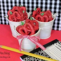 Make Back to School Pretzels as the perfect back to school craft for kids to bring in their lunch! Get kids excited to start up school again!!