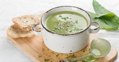 Clean Cuisine – Savory All Green Soup Recipe (A Green Smoothie Alternative! Sopa Detox, Detox Soup, Cream Soup Recipes, Green Soup, Spinach Soup, Vegetable Side Dishes, Healthy Nutrition, Soups And Stews, Pesto
