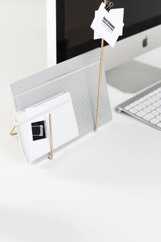 I needed a minimal desk organiser for my notebooks, so with that abstract idea in mind I started bending it. Within 10 minutes I had this (note)book holder! Desk Organization Diy, Diy Desk, Shabby Chic Furniture, Diy Furniture, Cardboard Furniture, Minimal Desk, Office Decor, Diy Home Decor, Stationery