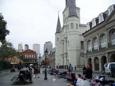 New Orleans : Street in front of St. Louis Cathederal