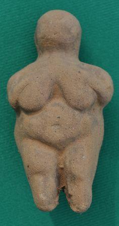 Çatalhöyük - Venus  Please, let's bring this figure back into fashion!!! ;)
