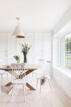 Best Farmhouse Dining Room Lighting Ideas – Modern Home Dining Room Design, Farmhouse Dining Room, Dining Room Inspiration, White Dining Room, Dining Nook, Dining Room Decor, Dining Room Storage, Home Decor, House Interior