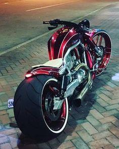 Harley Davidson V-Rod by Sinistar Customs #CustomMotorcycles #harleydavidsontrike