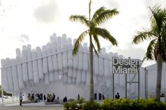The eye-catching entrance pavilion to Design Miami consisted of inflated tubes bundled together to resemble a topographical landscape in suspension. Big Design, Design Art, Design Miami, Interior Design, Unique Buildings, White Paints, Magazine Design, Miami Beach, Contemporary Design