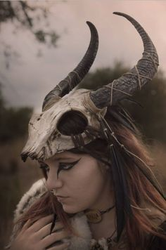 Skull headdress feather viking costume shaman mask black horns tribal pagan warrior crown festival cap horned helmet with feathers – Norse Mythology-Vikings-Tattoo Larp, Festival Caps, Costume Viking, Horns Costume, Warrior Costume, Vikings, Character Inspiration, Character Design, Skulls