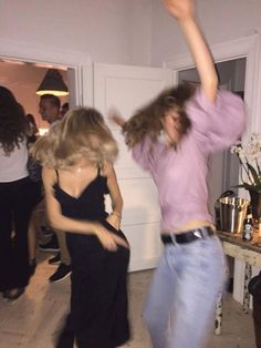 60 Ideas Party Photos Bff For 2019 Best Friend Pictures, Friend Photos, Rupaul, Shooting Photo Amis, Dance Aesthetic, Aesthetic Style, Aesthetic Indie, Aesthetic Pics, Flower Aesthetic
