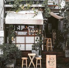 Mooh, Chiang Mai 📷 Doughnut shop Thai style love the alfresco situation Cafe Shop Design, Cafe Interior Design, Interior Exterior, Exterior Design, Cafe Bar, Cafe Restaurant, Restaurant Design, Cozy Coffee Shop, Small Coffee Shop