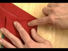 tutorial video for binding unusual angles with a mitered corner.  Very clear directions. Le Meilleur TUTO pour faire les angles !!! TOP !
