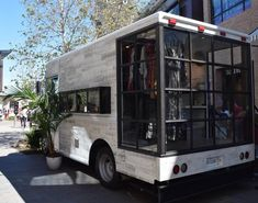 J.D. LUXE Mobile Boutique Opens Flagship Retail Store at ...
