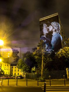 """After his urban safari in Paris and Orlando, street artist and adept of video mapping Julien Nonnon returns to the French capital with an new urban, digital street art project. For his new work called """"#le_baiser"""", he will project couples kissing onto the walls of the french capital, reminding us that paris remains clearly the …"""