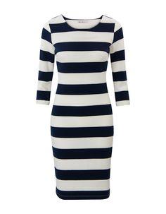 Blauw-wit gestreepte jurk met driekwart mouwen en een ronde halslijn. #MissEtam