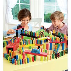 Domino Race Set, 255-Pieces | Gift Ideas for Boys