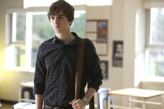 Norman Bates from Bates Motel (TV Series 2013–2014) - #20/112 - Episode Midnight.