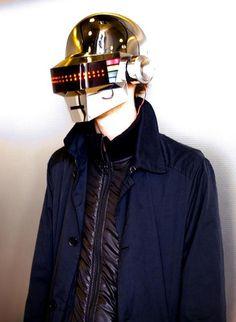 Idée cadeau – Un casque de Daft Punk avec éclairage intégré