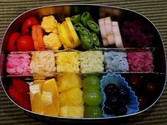 All this colorful bento lunch needs is a unicorn lollipop for dessert. Make a rainbow bento box HERE at My Bento Art. Rainbow Food, Eat The Rainbow, Rainbow Theme, Rainbow Snacks, Rainbow Rice, Rainbow Pancakes, Rainbow Jello, Kids Rainbow, Rainbow Birthday