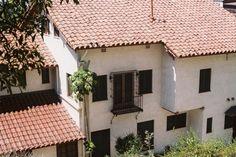 Los Feliz murder mansion sits empty since the 1960's
