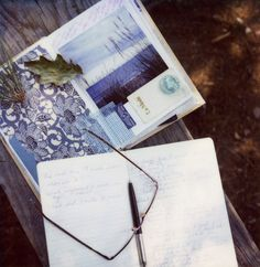How to write a book...a great blog post by author and photographer Susannah Conway.
