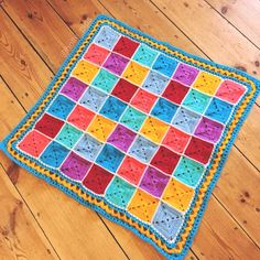 Happy Rainbow Squares #Crochet Blanket | hollypips