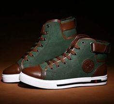 My shoes Ladies Converse Shoes, Green Converse, Men Shoes Casual, Men Casual, Shoes Men, Stylish Men, Sneakers Fashion, Men Sneakers, Mens Fashion Shoes
