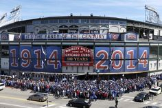 Wrigley Field / Chicago Cubs Baseball