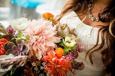 Brautstrauß Herbst Dahlien Orange Weiß Violett #wedding #flowers