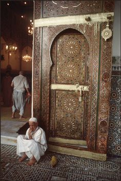 Morocco Fez. Zaouia de Moulay Idriss, the sanctuary where the tomb of Moulay Idriss is accommodated 1987