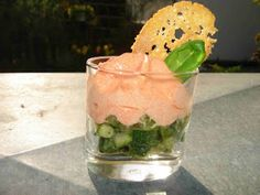 Zucchini-Basilikum-Gemüse mit Paprika-Espuma