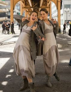 the abnegation fashion! #DIVERGENT I love the abnegation dresses they're wearing!