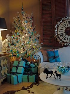 Blue Christmas - minus the white/silver christmas tree. Tinsel Christmas Tree, Blue Christmas Decor, Turquoise Christmas, Merry Christmas, Tinsel Tree, Silver Christmas, Christmas Love, Beautiful Christmas, Christmas Tree Decorations