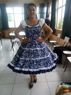 vestidos de cueca - BúsquedadeGoogle 50s Dresses, Dance Dresses, Vintage Dresses, Summer Dresses, Kurtha Tops, Square Skirt, Dance Outfits, Toddler Girl, Marie