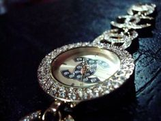 high end 83 High end is the best end photos) Handbag Accessories, Fashion Accessories, Fashion Jewelry, Women Jewelry, Chanel Jewelry, Jewelry Box, Jewelry Watches, Lux Fashion, Chanel Watch