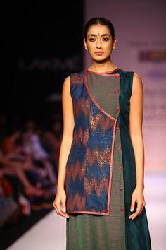 #IndianFashion : Soumitra Mondal-LFW 13