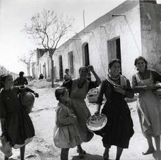 Poverty in Spain during Franco's dictatorship. 1960s (20/30 years after the end of spanish civil war) Dorothy Bohm